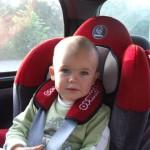 Foteliki samochodowe – na co zwracać uwagę
